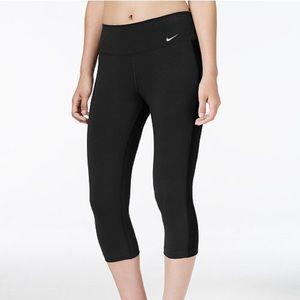 Nike Black Capri Leggings - Dri-Fit Size Medium